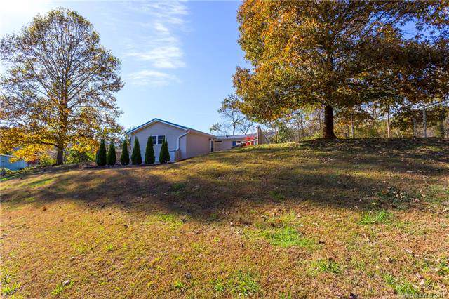 19 Holly Ridge Road, Candler, NC 28715 (#3564461) :: Rinehart Realty