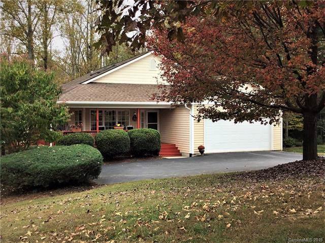358 Karla Circle, Hendersonville, NC 28739 (#3564664) :: Keller Williams Biltmore Village