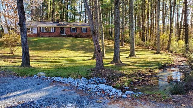 416 N Lakeside Drive, Hendersonville, NC 28739 (#3564711) :: MartinGroup Properties
