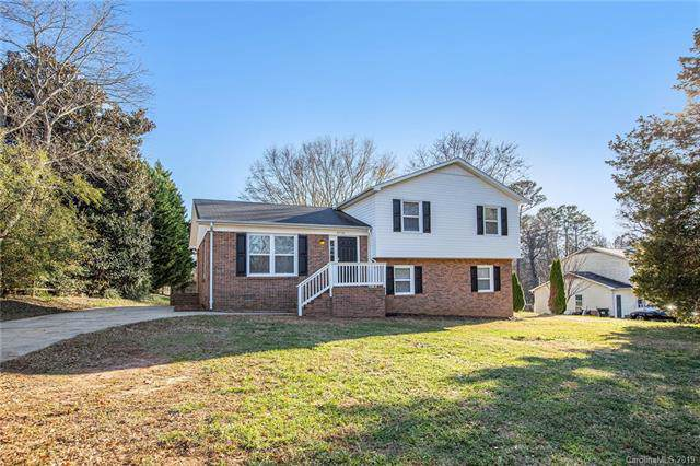 4908 Oakwood Circle, Gastonia, NC 28056 (#3565345) :: SearchCharlotte.com