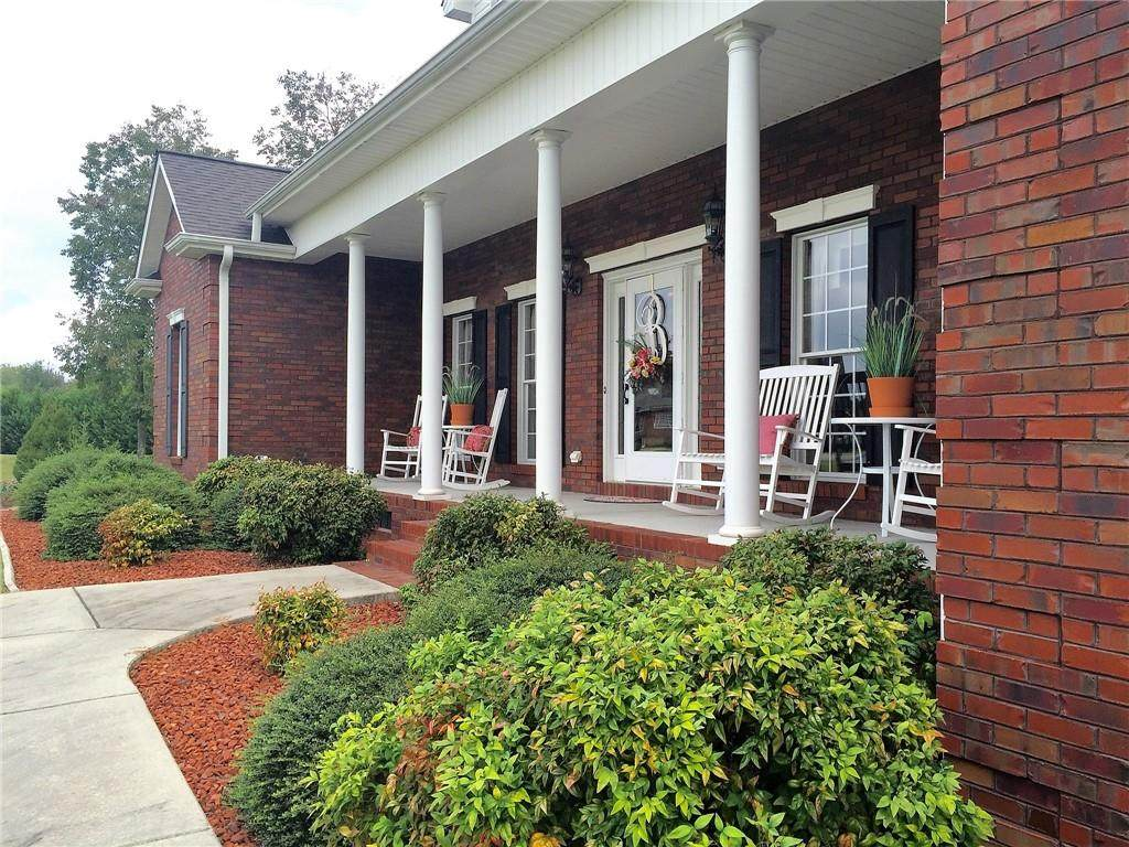 183 Roberts Drive, Statesville, NC 28625 (#3565509) :: High Performance Real Estate Advisors