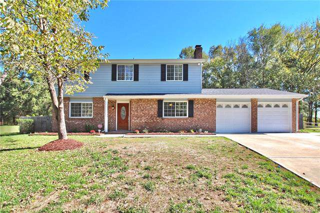 5821 Shadow Creek Road, Charlotte, NC 28226 (#3565668) :: The Andy Bovender Team