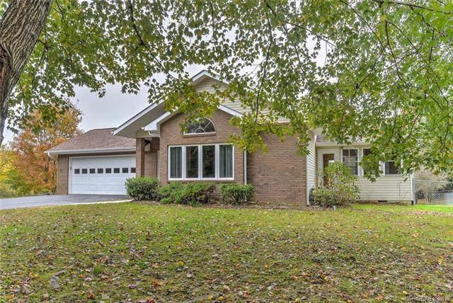 95 Sinclair Lane, Hendersonville, NC 28739 (#3565805) :: LePage Johnson Realty Group, LLC