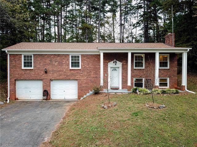1325 20th Avenue Place NE, Hickory, NC 28601 (#3566211) :: Homes Charlotte