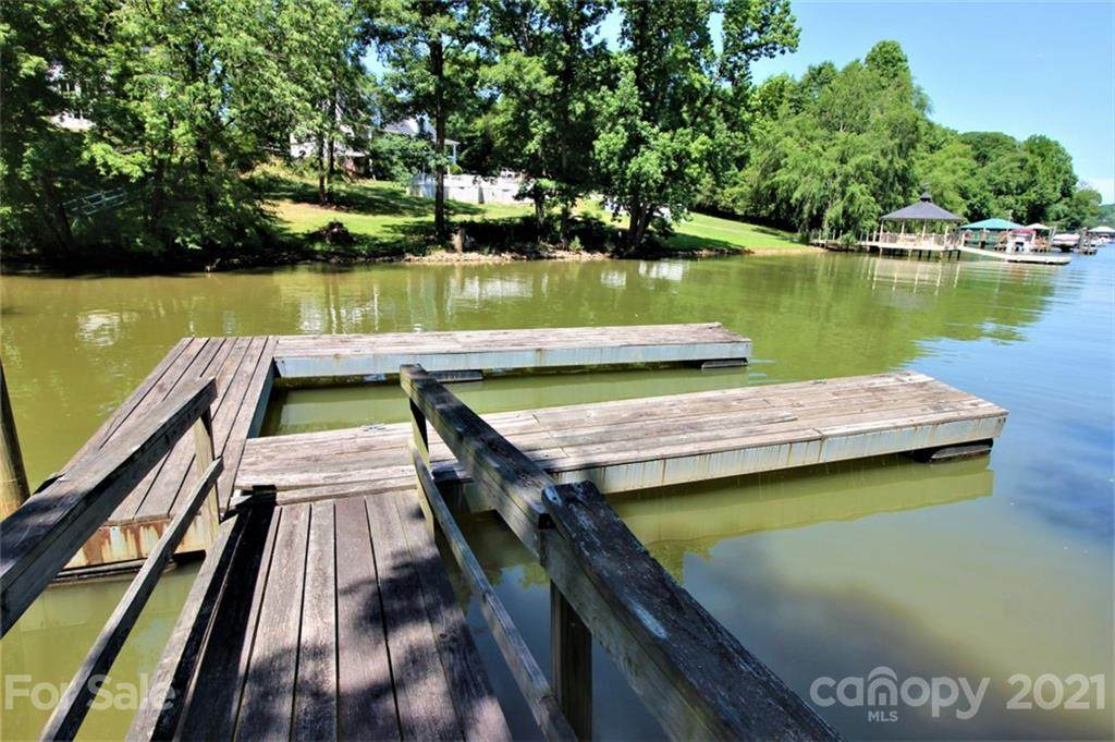 Lot 1 Pine Moss Lane Lot 1, Lake Wylie, SC 29710 (#3566492) :: Miller Realty Group