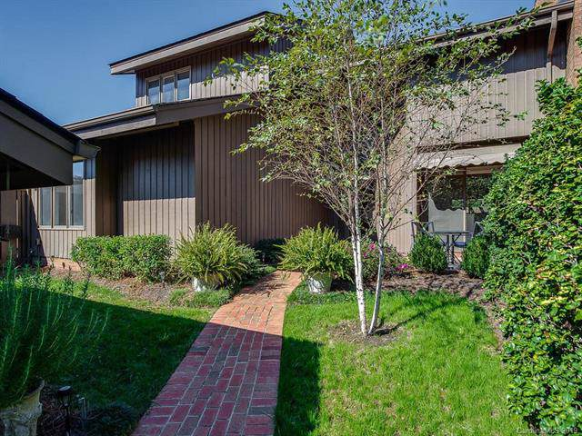 5004 Sunningdale Court, Charlotte, NC 28226 (#3566597) :: Carlyle Properties