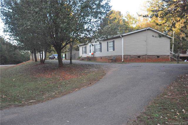 1245 Forest Ridge Drive, Bessemer City, NC 28016 (#3566652) :: Rowena Patton's All-Star Powerhouse