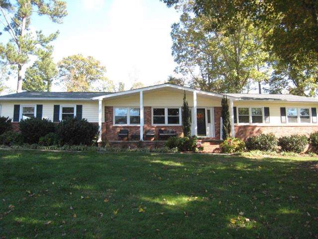 5553 Southshore Court, Hickory, NC 28601 (#3566923) :: High Performance Real Estate Advisors