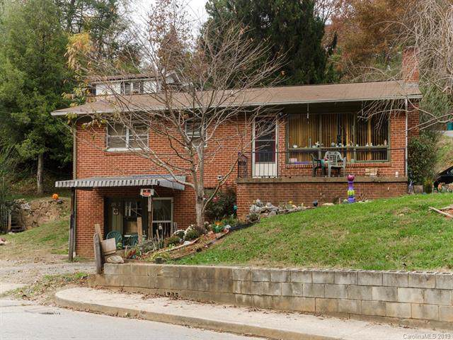 208 Chestnut Park Drive, Waynesville, NC 28786 (#3567158) :: Homes Charlotte