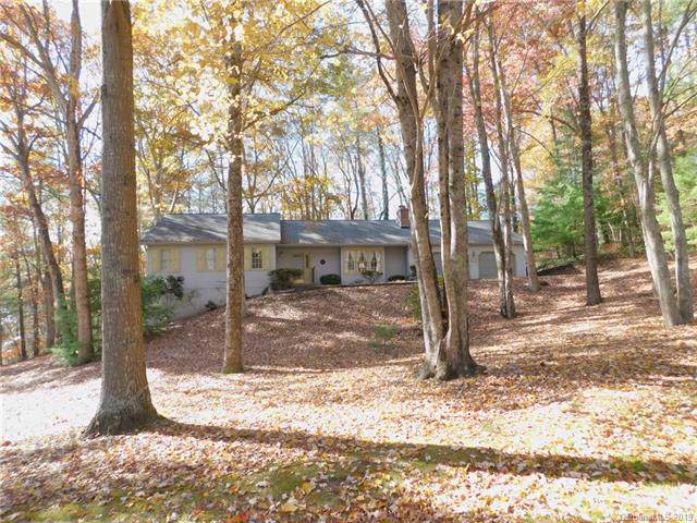 130 Foothills Drive, Hendersonville, NC 28792 (#3567510) :: Keller Williams Professionals