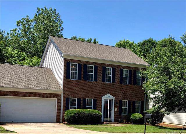 9913 Highlands Crossing Drive, Charlotte, NC 28277 (#3567811) :: MartinGroup Properties