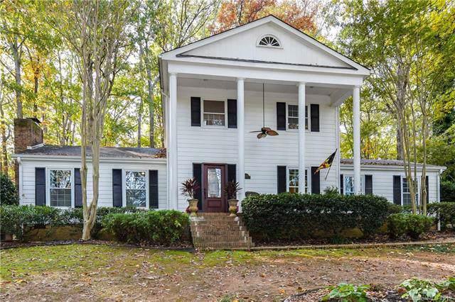 8825 Dogwood Drive, Charlotte, NC 28215 (#3568099) :: Washburn Real Estate