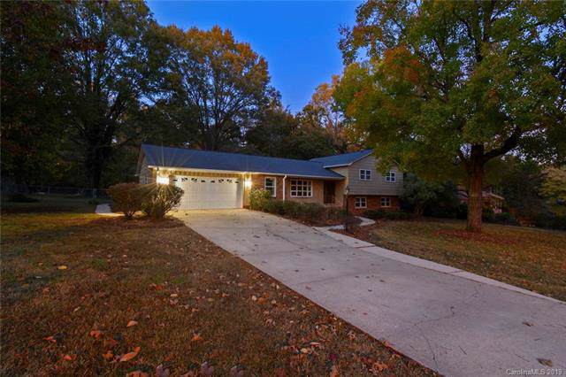 9006 Douglas Drive, Charlotte, NC 28217 (#3568147) :: Puma & Associates Realty Inc.