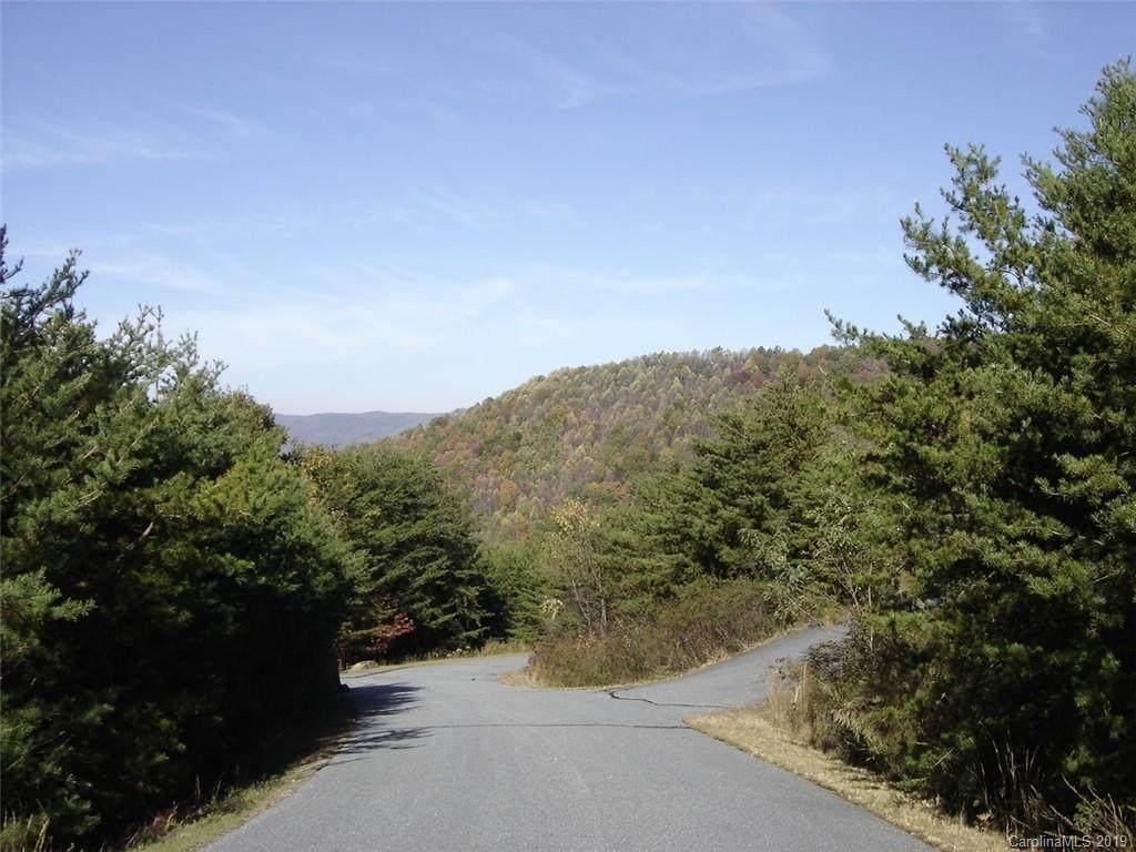 141 Saratoga Drive - Photo 1