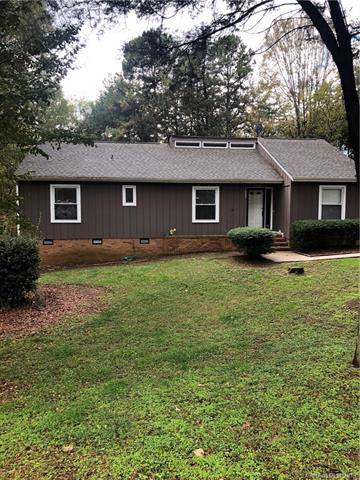 10821 Painted Tree Road, Charlotte, NC 28226 (#3568421) :: Carlyle Properties