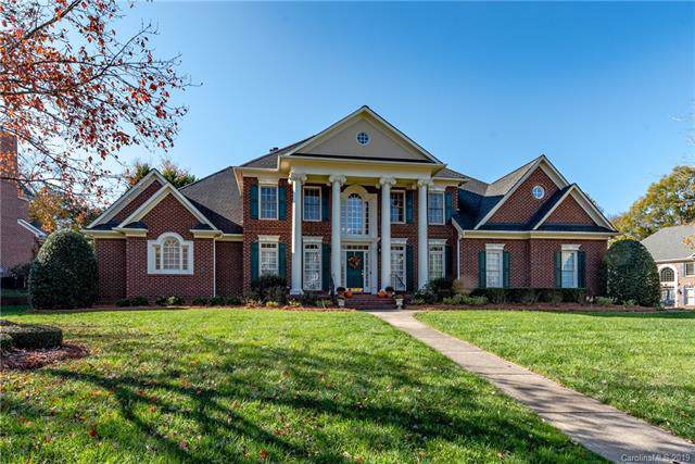 5810 Woodleigh Oaks Drive, Charlotte, NC 28226 (#3568726) :: The Andy Bovender Team