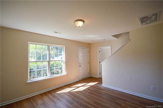 2519 Beachmont Avenue, Charlotte, NC 28208 (#3568747) :: LePage Johnson Realty Group, LLC