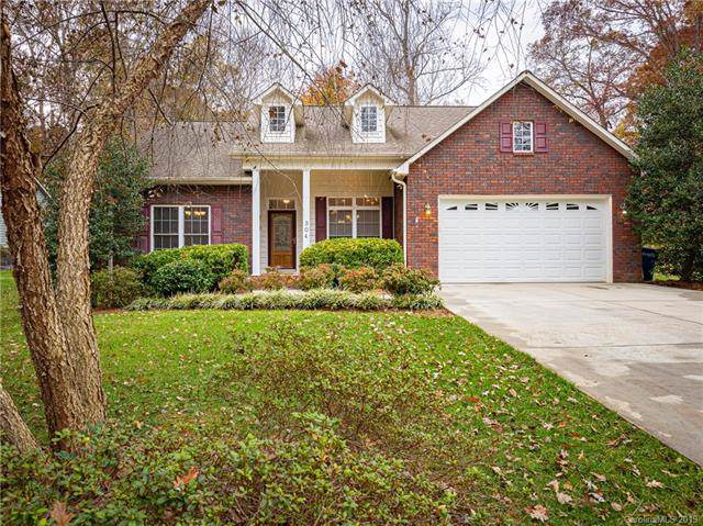 304 Brookmeade Drive, Statesville, NC 28625 (#3568943) :: Rinehart Realty
