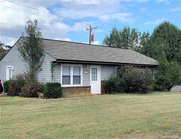 108 Winchester Drive, Ellenboro, NC 28040 (#3569120) :: The Andy Bovender Team