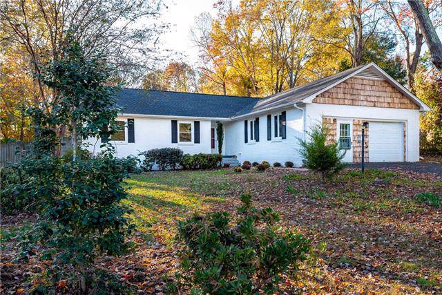 6111 Northlake Drive #7, Hickory, NC 28601 (#3569170) :: High Performance Real Estate Advisors