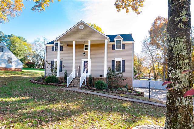630 38th Avenue NE, Hickory, NC 28601 (#3569216) :: Johnson Property Group - Keller Williams