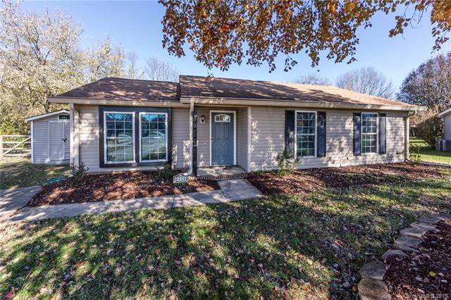 8338 Kapplewood Court, Charlotte, NC 28226 (#3569244) :: Stephen Cooley Real Estate Group