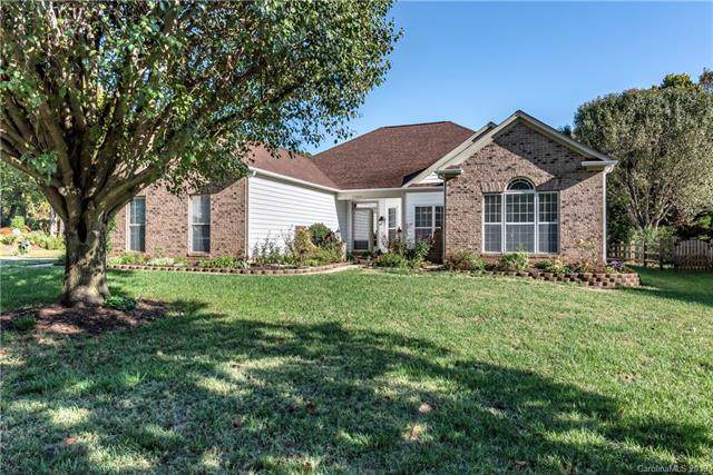 15806 Kinlocke Drive, Huntersville, NC 28078 (#3569272) :: High Performance Real Estate Advisors