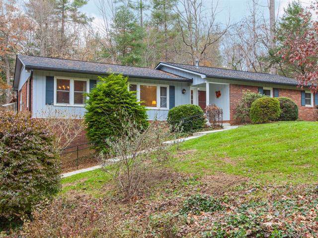 141 Surry Lane, Hendersonville, NC 28791 (#3569537) :: BluAxis Realty