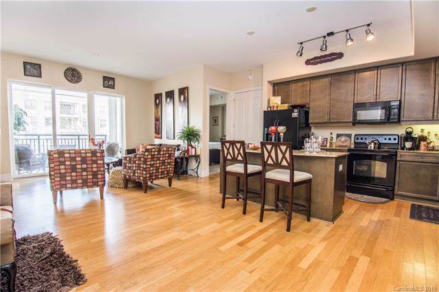 4625 Piedmont Row Drive #315, Charlotte, NC 28210 (#3569735) :: Stephen Cooley Real Estate Group
