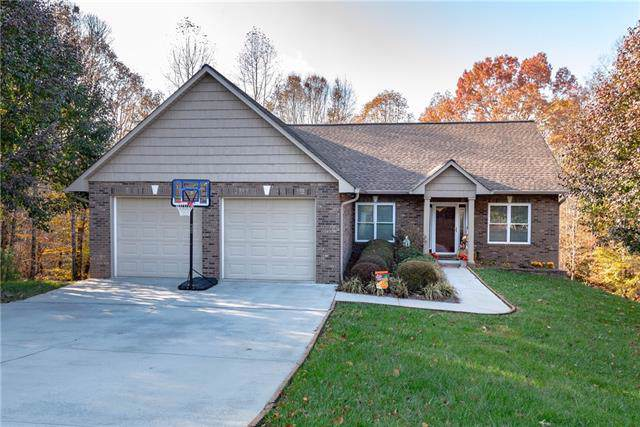 120 Doe Path Circle, Hudson, NC 28638 (#3569881) :: Robert Greene Real Estate, Inc.