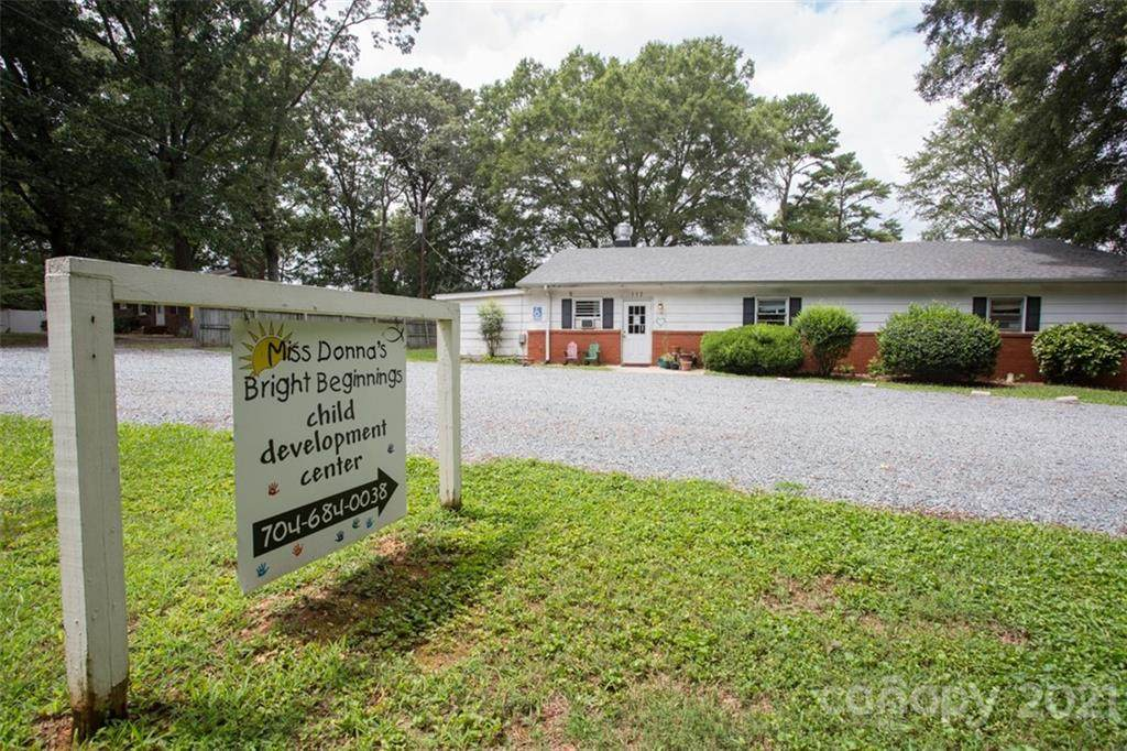 112 Woodland Road, Indian Trail, NC 28079 (#3569957) :: MOVE Asheville Realty