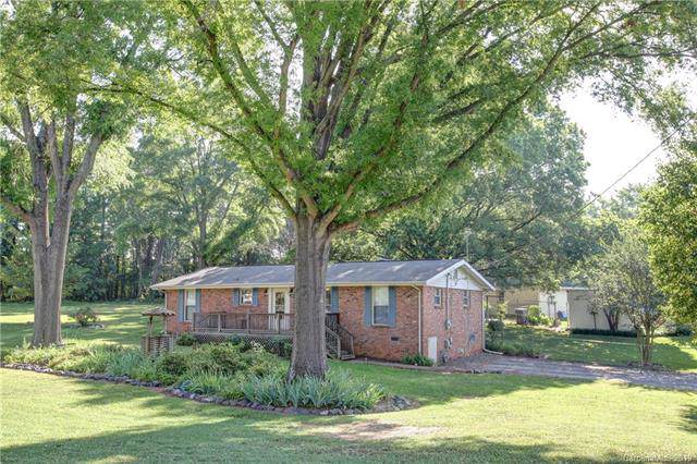415 Melynda Road, Charlotte, NC 28208 (#3570089) :: Carlyle Properties