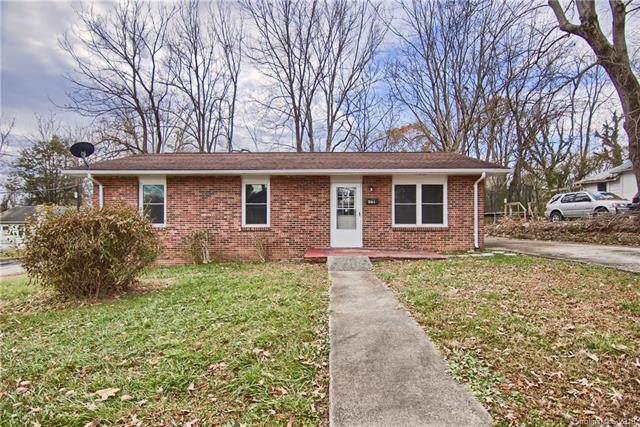 631 Beech Street, Hendersonville, NC 28792 (#3570173) :: Francis Real Estate