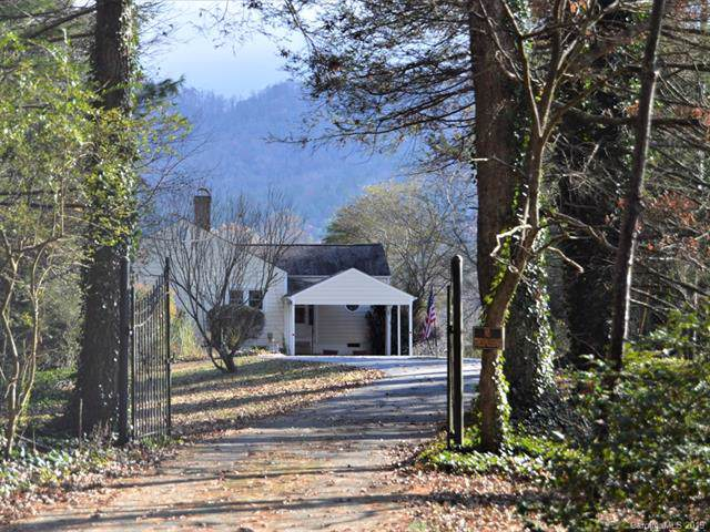 419 Crab Creek Road, Hendersonville, NC 28739 (#3570220) :: LePage Johnson Realty Group, LLC