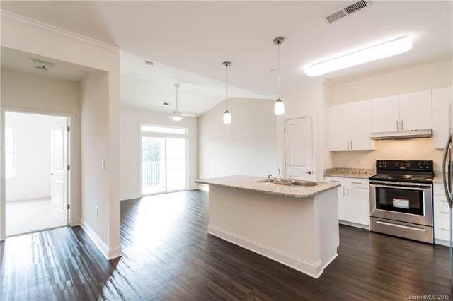 9114 Mcdowell Creek Court #105, Cornelius, NC 28031 (#3570319) :: Scarlett Property Group