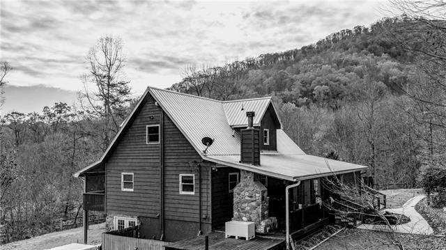 1972 Shook Cove Road, Tuckasegee, NC 28783 (#3570886) :: Stephen Cooley Real Estate Group