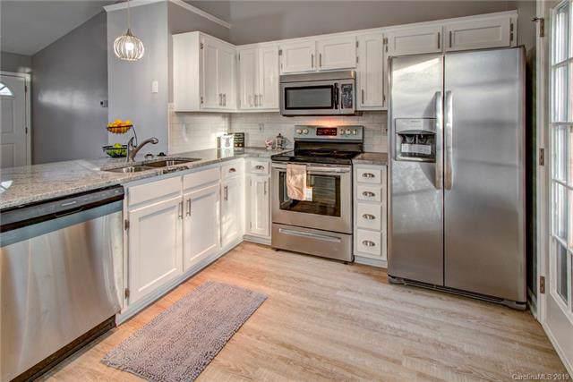 3108 Misty Creek Drive, Charlotte, NC 28269 (#3570917) :: Carlyle Properties