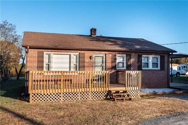 302 North Center Street NE, Hildebran, NC 28637 (#3570957) :: Rinehart Realty