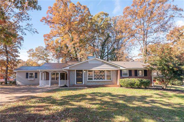112 S Woodland Avenue, Forest City, NC 28043 (#3570980) :: Homes Charlotte