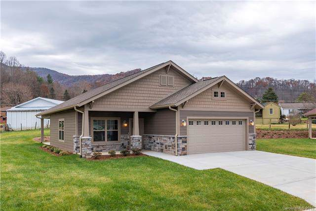11 Junes Way, Waynesville, NC 28786 (#3571007) :: High Performance Real Estate Advisors
