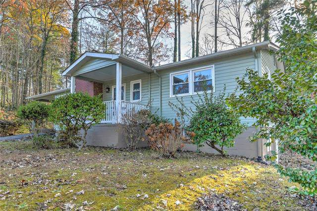 2009 Upper Ridgewood Boulevard, Hendersonville, NC 28791 (#3571203) :: Stephen Cooley Real Estate Group