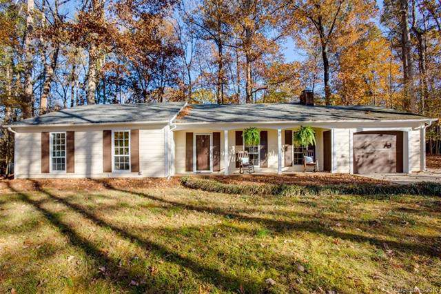 11542 Gelding Drive, Charlotte, NC 28215 (#3571269) :: BluAxis Realty