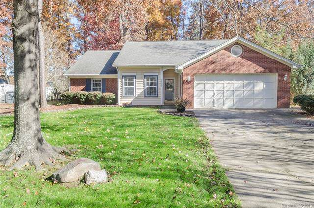 3900 Armitage Drive, Charlotte, NC 28269 (#3571626) :: Stephen Cooley Real Estate Group