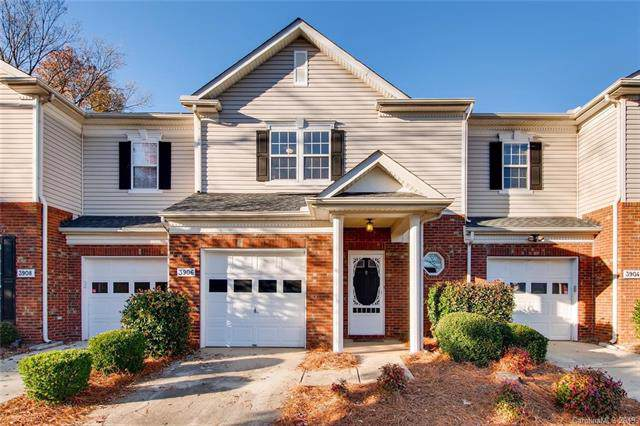 3906 Thomas Ridge Drive, Charlotte, NC 28269 (#3571895) :: Roby Realty