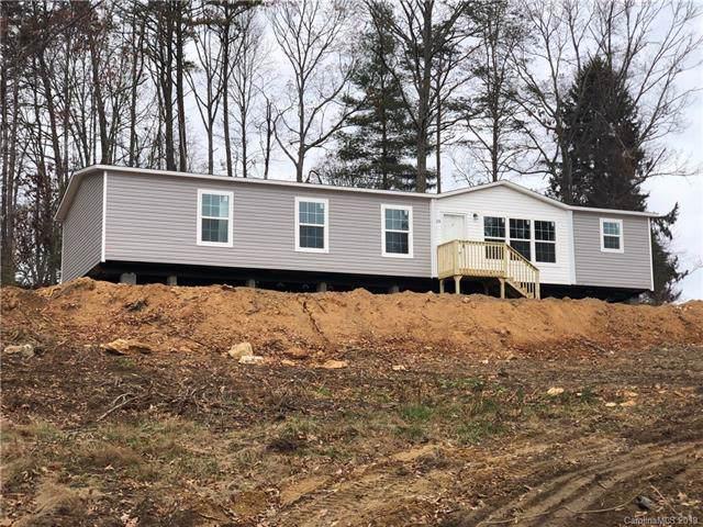 29 Saranac Lane, Hendersonville, NC 28792 (#3571943) :: Roby Realty