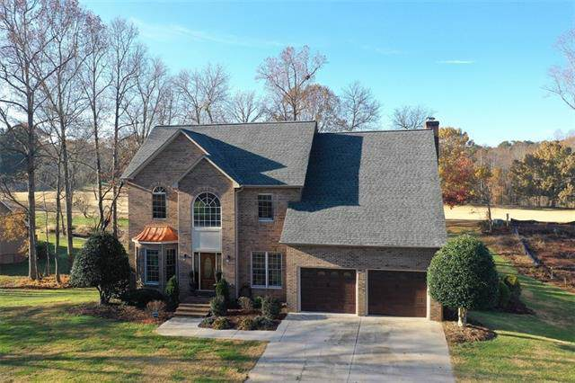 4921 Elmhurst Drive NE, Hickory, NC 28601 (#3572167) :: Washburn Real Estate