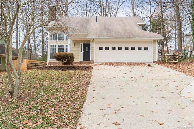10008 Holly Tree Drive, Charlotte, NC 28215 (#3572475) :: Carlyle Properties