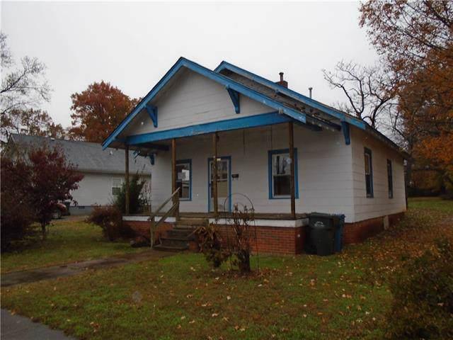1619 B Avenue SE, Hickory, NC 28602 (#3572771) :: Zanthia Hastings Team