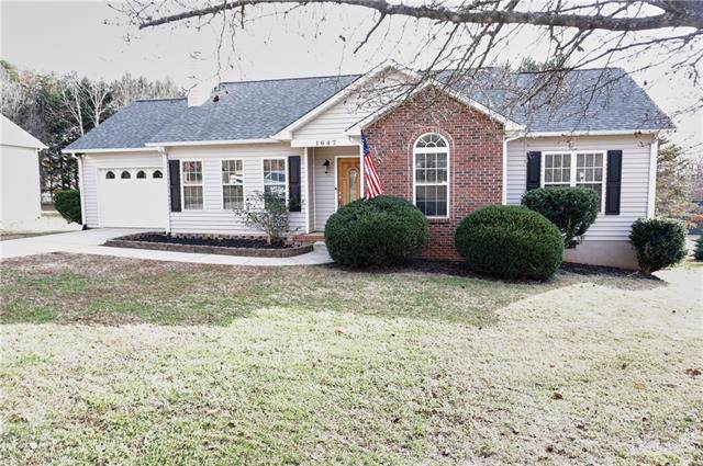 1647 6th Street SE, Hickory, NC 28602 (#3573170) :: Washburn Real Estate