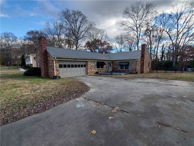 1240 19th Avenue NE, Hickory, NC 28601 (#3573534) :: Stephen Cooley Real Estate Group